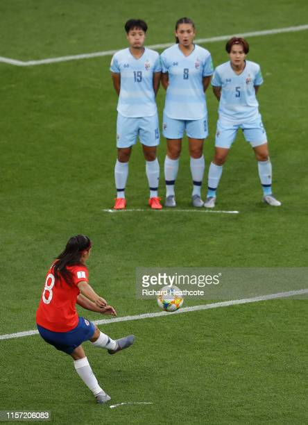 Karen Araya of Chile takes a free kick during the 2019 FIFA Women's World Cup France group F match between Thailand and Chile at Roazhon Park on June...