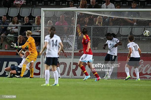 Karen Bardsley Karen CarneyAnita Asante and Fara Williams of England get the second goal of Spain during the UEFA Women's EURO 2013 Group C match...