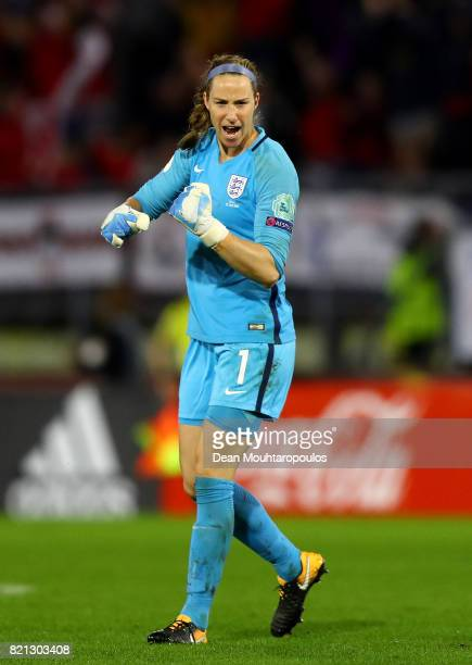 Karen Bardsley of England celebrates after Jodie Taylor scores England's second goal of the game during the UEFA Women's Euro 2017 Group D match...