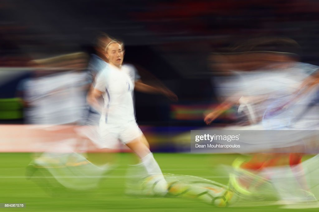 Karen Carney of England in action during the International friendly match between France and England held at Stade du Hainaut on October 20, 2017 in Valenciennes, France.