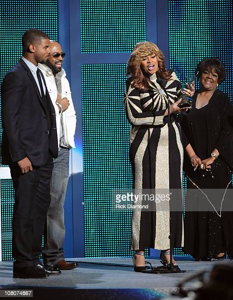 Karen Clark Sheard accepts the Albertina Walker Female Vocalist of the Year at the 26th Annual Stellar Gospel Music Awards at The Grand Ole Opry on...
