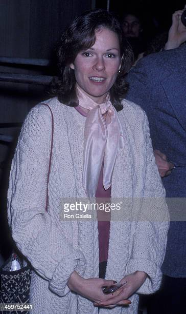 Karen Lynn Gorney attends Lily Tomlin Opening on January 31 1978 at the Huntington Hartford Theater in Hollywood California