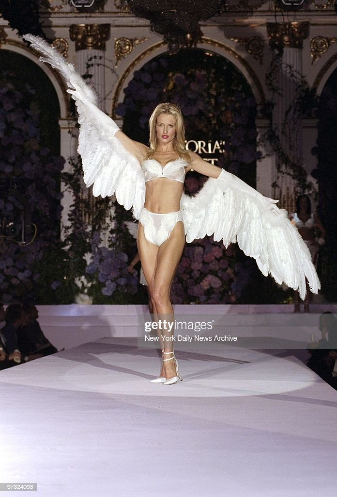 Karen Mulder wings it at the Victoria's Secret fashion show at the Plaza Hotel.