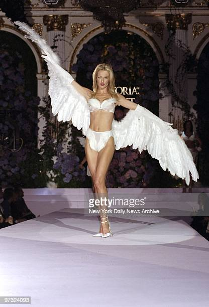 Karen Mulder wings it at the Victoria's Secret fashion show at the Plaza Hotel