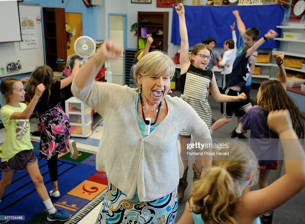Karen Renton is retiring after a 32-year career as a music teacher... : News Photo