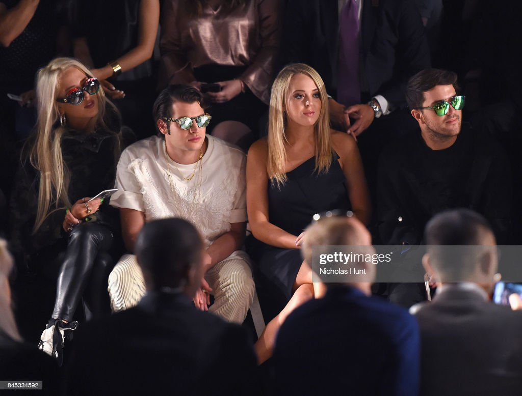 Taoray Wang - Front Row - September 2017 - New York Fashion Week: The Shows : News Photo