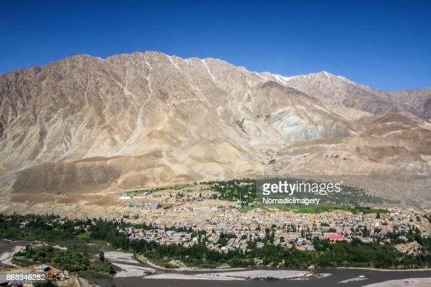 kargil himalayan valley aerial view of oasis - escarpment stock pictures, royalty-free photos & images