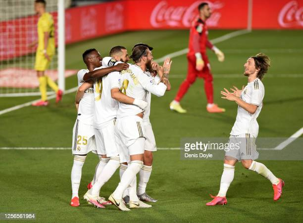 Karim Benzema of Madrid celebrates scoring the second goal from a penalty during the Liga match between Real Madrid CF and Villarreal CF at Estadio...