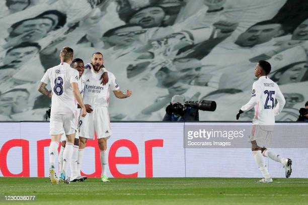 Karim Benzema of Real Madrid celebrates 1-0 with Vinicius Junior of Real Madrid, Toni Kroos of Real Madrid, Rodrygo of Real Madrid during the UEFA...