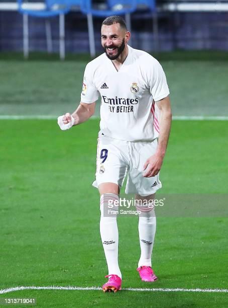 Karim Benzema of Real Madrid celebrates scoring a goal during the La Liga Santander match between Cadiz CF and Real Madrid at Estadio Ramon de...