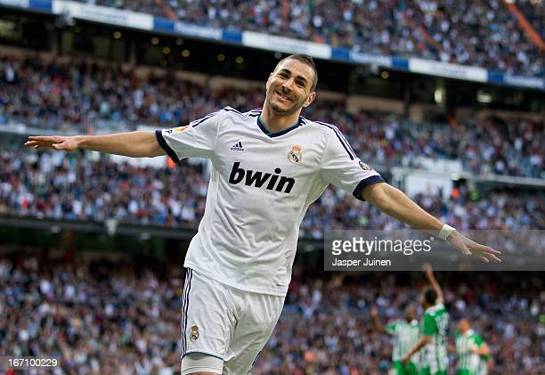 Karim Benzema of Real Madrid celebrates scoring his sides second goal during the la Liga match between Real Madrid CF and Real Betis Balompie at...