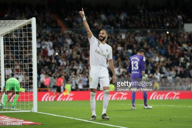 Karim Benzema of Real Madrid celebrates scoring his team's fourth goal during the Liga match between Real Madrid CF and CD Leganes at Estadio...