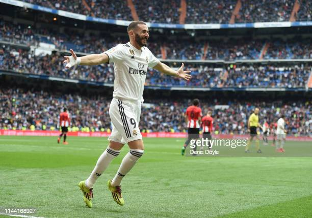 Karim Benzema of Real Madrid CF celebrates after scoring Real's first goal during the La Liga match between Real Madrid CF and Athletic Club at...