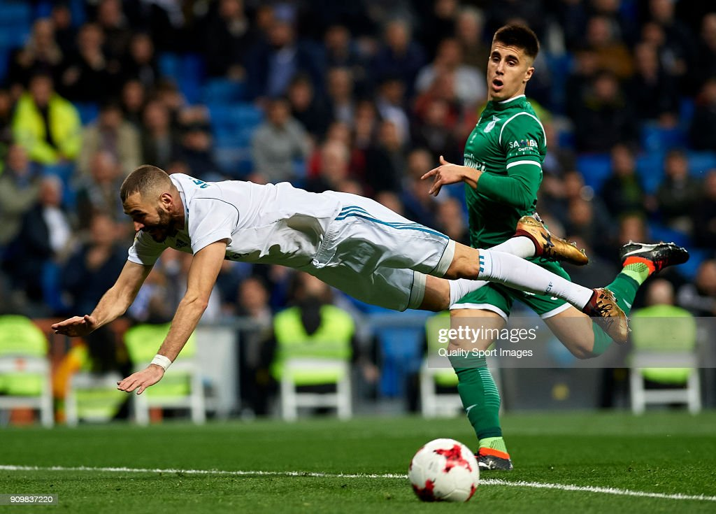Karim Benzema of Real Madrid falls on the field during the Spanish Copa del Rey Quarter Final Second Leg match between Real Madrid and Leganes at Bernabeu on January 24, 2018 in Madrid, Spain.
