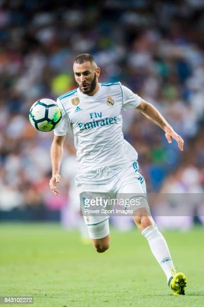 Karim Benzema of Real Madrid in action during their La Liga 201718 match between Real Madrid and Valencia CF at the Estadio Santiago Bernabeu on 27...