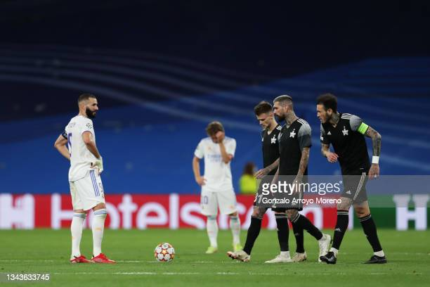 Karim Benzema of Real Madrid looks dejected after the FC Sheriff second goal scored by Sebastien Thill during the UEFA Champions League group D match...