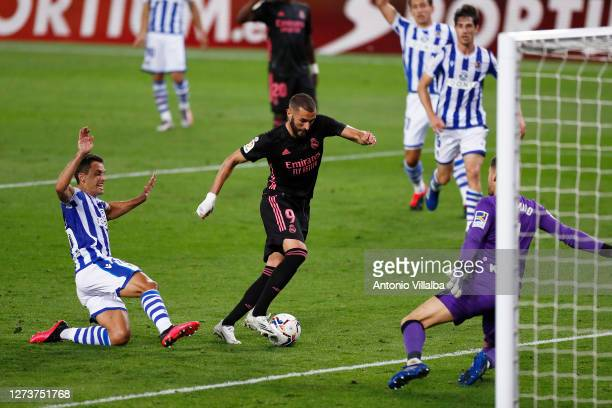 Karim Benzema of Real Madrid misses a chance during the La Liga Santander match between Real Sociedad and Real Madrid at Estadio Anoeta on September...
