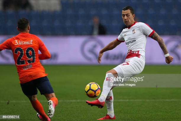 Karim Frei of Istanbul Basaksehir Emre Gural of Antalyaspor during the Turkish Super lig match between Istanbul Basaksehir v Antalyaspor at the Fatih...