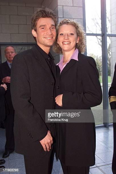 Karim Köster und Julia Westlake Bei Jahresempfang Des Ndr In Hamburg Am 011100