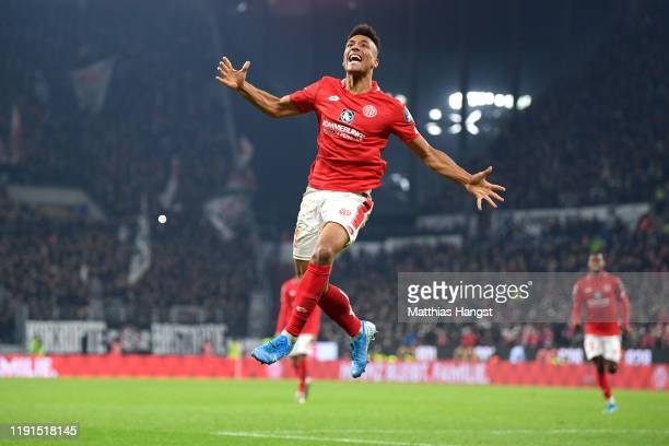Karim Onisiwo of 1 FSV Mainz 05 celebrates during the Bundesliga match between 1 FSV Mainz 05 and Eintracht Frankfurt at Opel Arena on December 02...