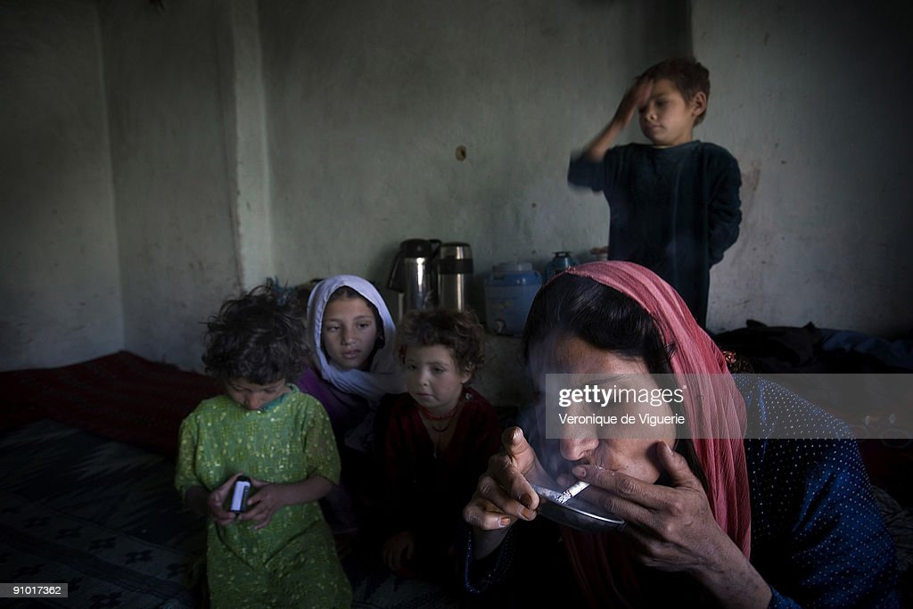 Karima is smoking her third daily hit of heroin in front of her children. The young woman has been addicted to drugs since the age of 15. She got married aged only 11. Unhappy in her marriage and her life, she started to smoke opium and heroin to forget about it. She has 5 kids who are all suffering from drug addiction disorders, they are all very small for their age.