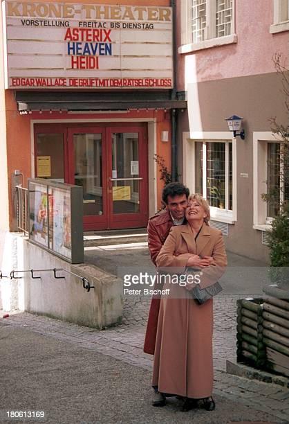 "Karin Baal, Ehemann Cevdet Celik, ""Krone-Theater"", ""Edgar Wallace-Festival 2002"", Titisee-Neustadt, Baden-Württemberg, Deutschland, Europa, Ehefrau,..."