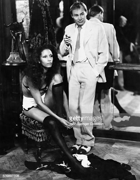 Karin Boyd as Juliette Martens and Klaus Maria Brandauer as Hendrik Hoefgen in the 1981 film Mephisto