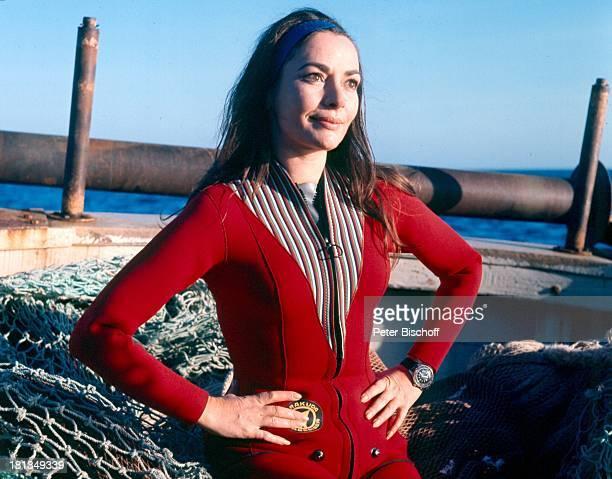Karin Dor SAT1Film Haie an Bord Sardinien Italien Europa Taucheranzug Sport Motorboot Schauspielerin OH/OH