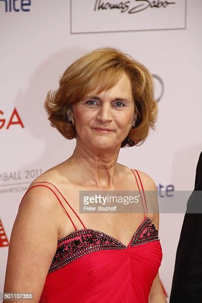 """Karin Seehofer , 38. """"Deutscher Filmball"""", Hotel """"Bayerischer Hof"""", München, Bayern, Deutschland, Europa, roter Teppich, Feier, feiern, Sponsorenwand..."""