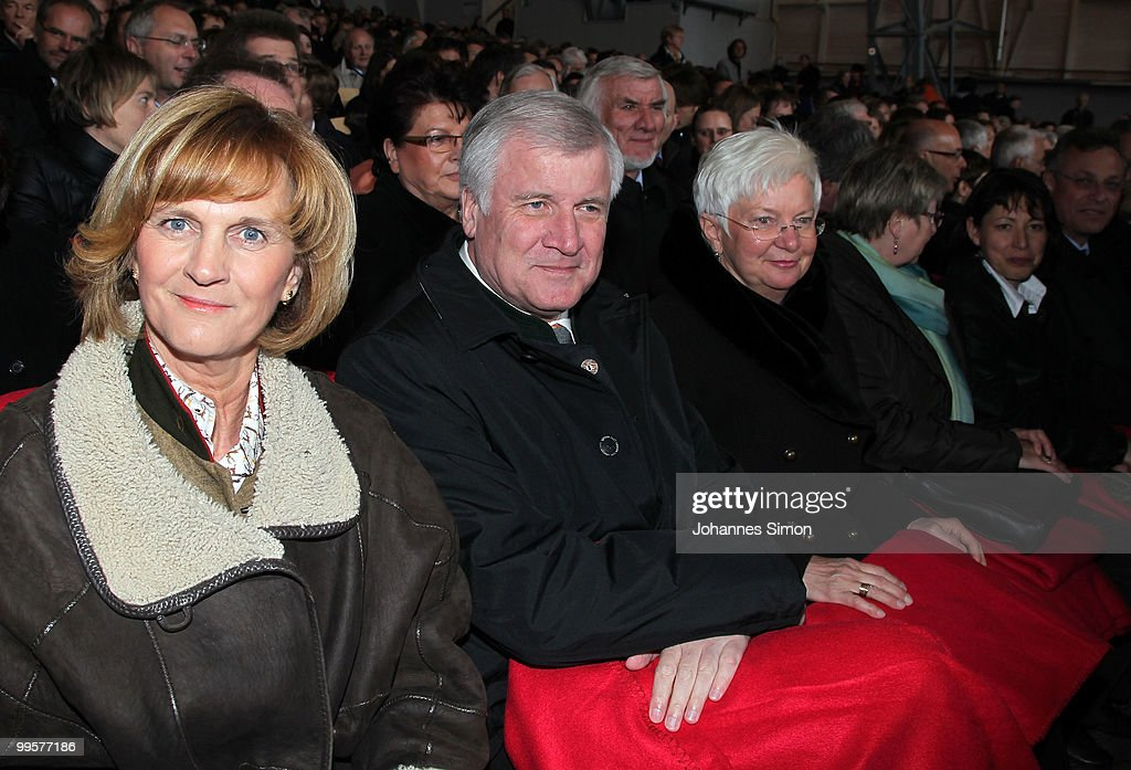 Karin Seehofer, Bavaria's state governor Horst Seehofer and Bundestag vice-president Gerda Hasselfeldt attend the premiere of the Passionplay 2010 on May 15, 2010 in Oberammergau, Germany. The Passionplay will be held until October 3, 2010 five times a week, it is held every ten years since 1633, when the inhabitants of Oberammergau were threatened by disease and promised to stage the play if they survived.