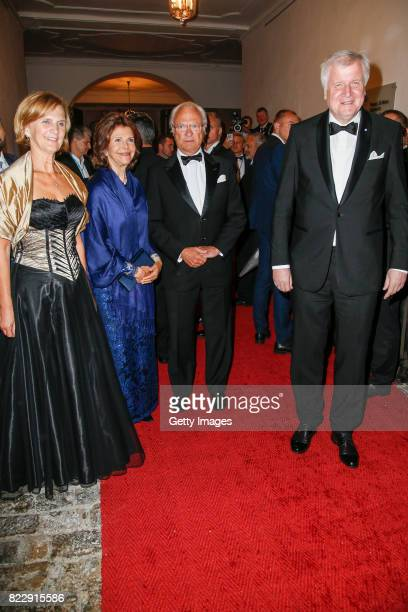 Karin Seehofer, Silvia Queen of Sweden and her husband Carl XVI. Gustaf King of Sweden and Bavarian minister Horst Seehofer during the Bayreuth...