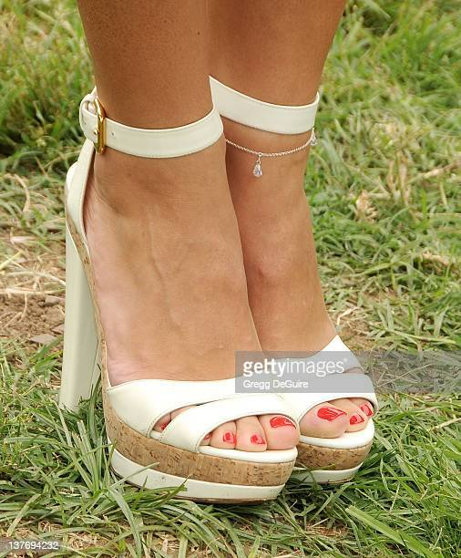 Karina Smirnoff arrives at the 21st Annual A Time For Heroes Celebrity Picnic sponsored by Disney to benefit The Elizabeth Glaser Pediatric AIDS...