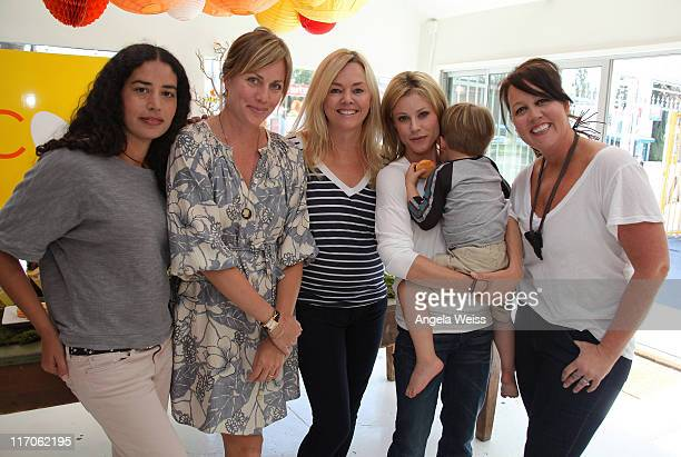 Karis Jagger Marnie Owens Lucinda Lent Julie Bowen and her son Oliver and Juliet Boydstun attend The Coop and Baby2Baby event for Julie Bowen at The...