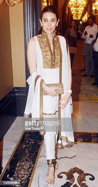 Karisma Kapoor at Manish Malhotra bridal show in Mumbai on October 22 2010