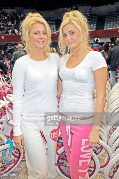 Hugh Hefner's girlfriends |Hugh Hefner Twin Girlfriends