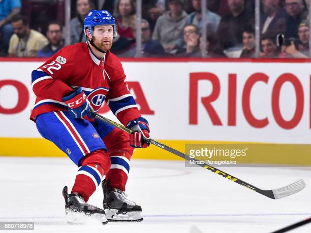 Karl Alzner of the Montreal Canadiens skates against the Chicago Blackhawks during the NHL game at the Bell Centre on October 10 2017 in Montreal...