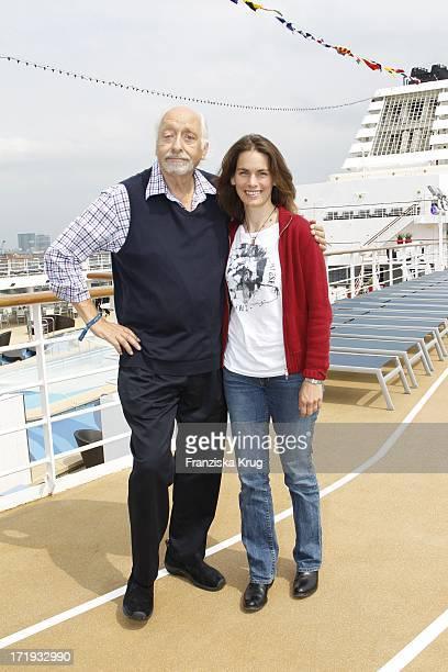 Karl Dall Mit Tochter Janina Bei Der Schiffstaufe Von Mein Schiff 2 In Hamburg Am 140511