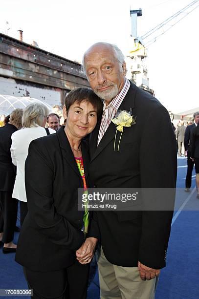 Karl Dall Und Ehefrau Barbara Beim Zdf Hansetreff Im Dock 10 Der Hamburger Werf BlohmVoss In Hamburg Am 030604