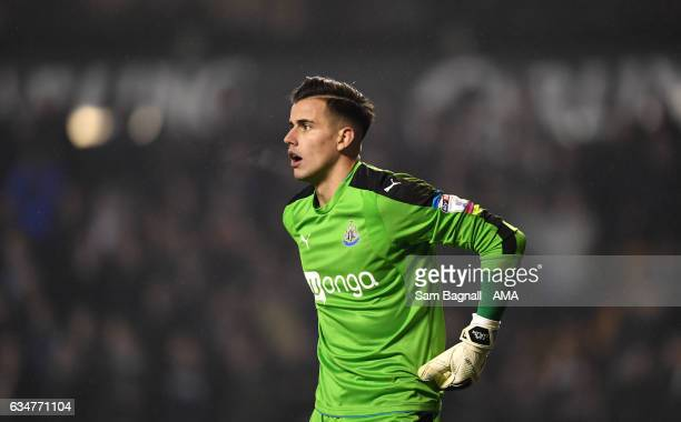 Karl Darlow of Newcastle United during the Sky Bet Championship match between Wolverhampton Wanderers and Newcastle United at Molineux on February 11...