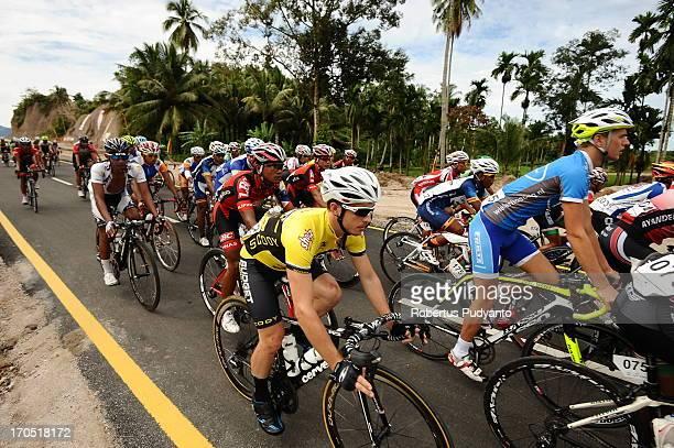 CONTENT] Karl Evans of Budget Forklifts Australia speeding his bike in km 1 after start at Stage 7 Padang Pariaman Padang Circuit