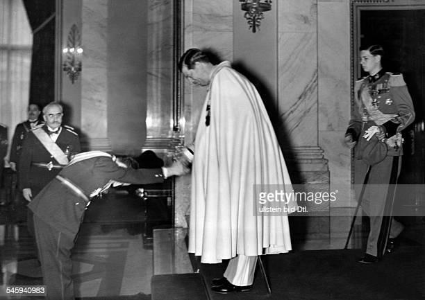 Karl II. *1893-1953+ König von Rumänien 1930-40empfängt Innenminister Calinescu .re. Thronfolger Prinz Michael- 1939