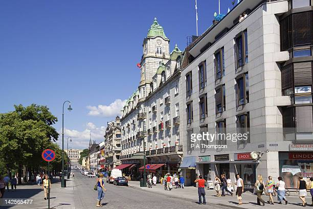 karl johans gate, oslo, norway - royal palace oslo stock pictures, royalty-free photos & images