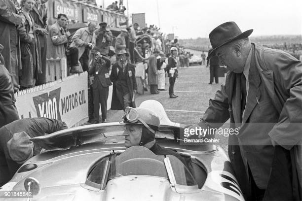 Karl Kling Alfred Neubauer Mercedes 300SLR 24 Hours of Le Mans Le Mans 06 December 1955 Mercedes team manager Alfred Neubauer with Karl Kling during...