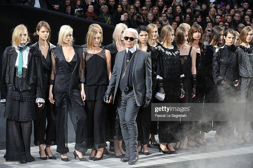 Chanel: Runway - Paris Fashion Week Fall/Winter 2012 : Fotografía de noticias