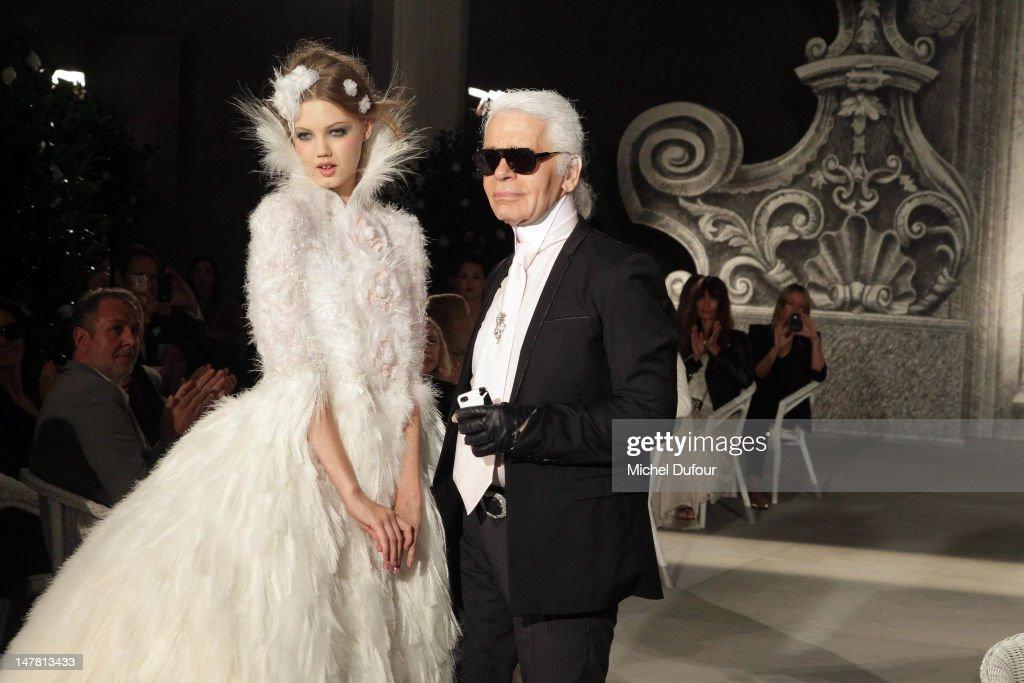 Chanel: Runway - Paris Fashion Week Haute Couture F/W 2012/13 : Fotografía de noticias