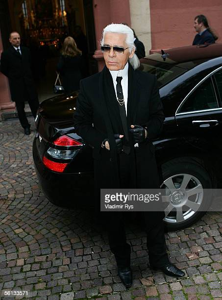 Karl Lagerfeld arrives at the funeral service for Aenne Burda on November 10 2005 in Offenburg Germany Aenne Burda was the founder of the Burda...