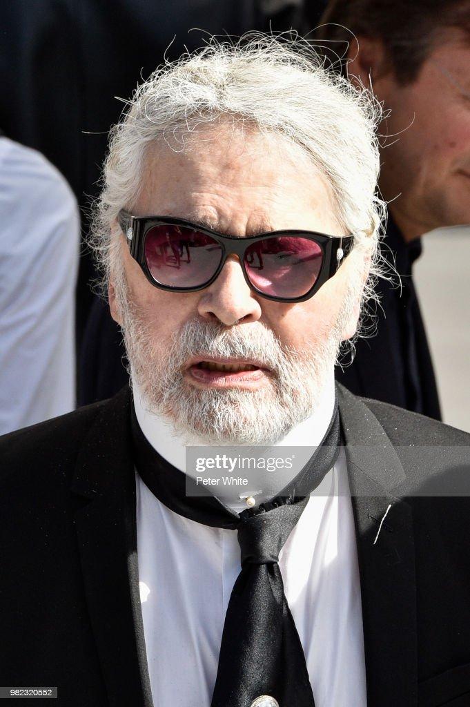 Dior Homme: Front Row - Paris Fashion Week - Menswear Spring/Summer 2019 : News Photo