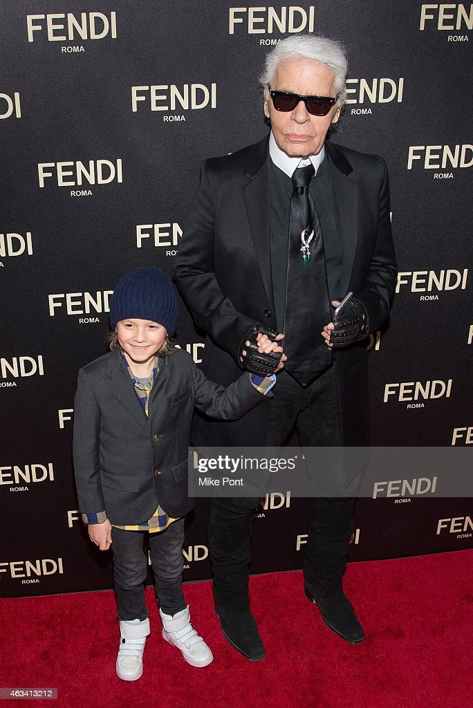 karl lagerfeld attends the fendi new york flagship boutique photo d 39 actualit getty images. Black Bedroom Furniture Sets. Home Design Ideas