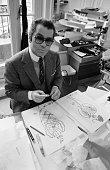 Karl lagerfeld directeur artistique de la maison chlo le 2 avril 1979 picture id956671218?s=170x170