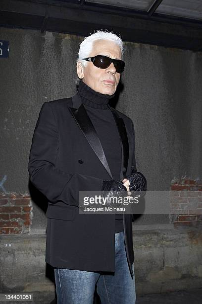 Karl Lagerfeld during Paris Fashion Week Menswear Fall/Winter 2007 Christian Dior Arrivals at Carreau du Temple in Paris France